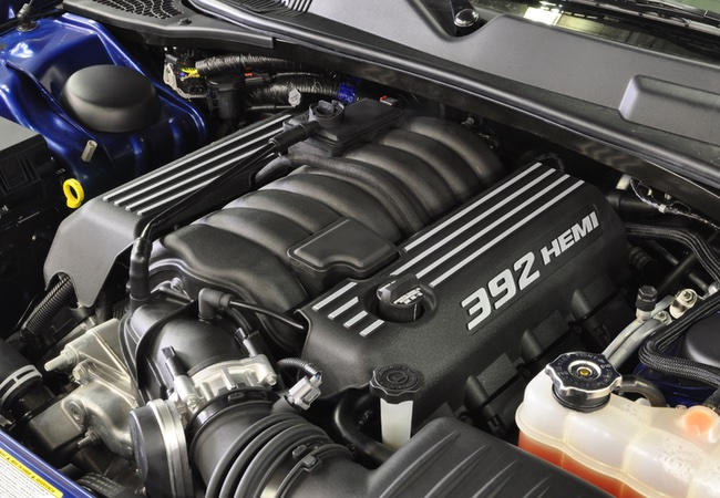 2014 Dodge HEMI SRT 392 Engine Bay Pictures